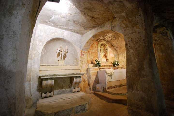 DSC_2743-altare-2.jpg